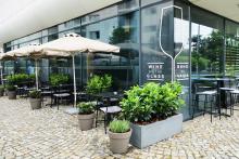 Озеленяване на заведение в София-3