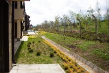 Озеленяване на хотел в Банско - Ню Гарден-NACHALO-2-0025